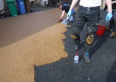 large drive Hayfield kirkcaldy Laying Resin Bond